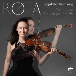 "Platecover for Ragnhild Hemsings plate ""Røta"""